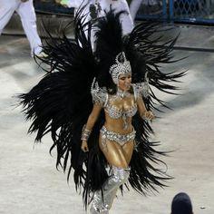 Anitta estreia no carnaval como musa da Mocidade