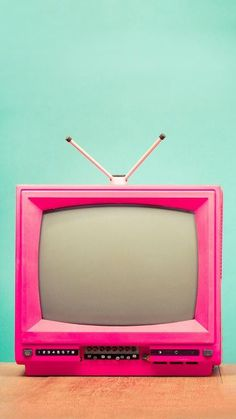 Find images and videos about cute, pink and vintage on We Heart It - the app to get lost in what you love. Pink Retro Wallpaper, Tumblr Games, Image Deco, Pub Vintage, Wallpaper Animes, Cyberpunk Aesthetic, Old Tv, Stop Motion, Pink Aesthetic