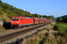 https://flic.kr/p/NLEbyi | 185 211 Hagenacker (4739) | Der GM 44999 von Linz Stahlwerke nach Neuss Gbf wurde am 12. September 2016 ebenfalls über Ingolstadt umgeleitet. Bei Hagenacker im Altmühltal konnte ich den von 185 211 geführten Ganzzug ablichten.  Freight train GM 44999 from Linz to Neuss was also rerouted over Ingolstadt. DB Cargo's 185 211 hauled this empty ore transport on the 12th of September 2016. I took this picture near Haganacker at the valley of the Altmühl river.