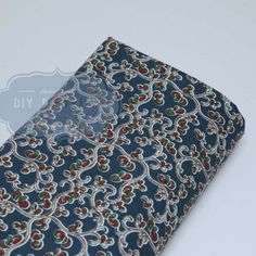 Tissu fleurs bleu marine 01