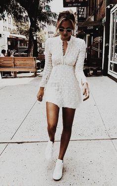 Stil / Sommerkleid # Mode # Damenmode - Fashion spring / summer - Best Of Women Outfits Fashion Blogger Style, Look Fashion, Trendy Fashion, Street Fashion, Womens Fashion, Feminine Fashion, Fashion Bloggers, Retro Fashion, Cheap Fashion