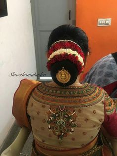 20 Indian Bridal Bun Hairstyle to try for your wedding - Wedandbeyond Bridal Hair Buns, Bridal Braids, Simple Blouse Designs, Bridal Blouse Designs, Back Neck Designs, Blouse Neck Designs, Stone Work Blouse, Indian Wedding Hairstyles, Hair Decorations