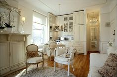 This studio is tiny but oh so glamorous! Adore the kitchen nook
