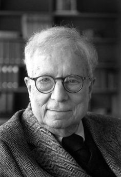 Robert Venturi joins the campaign for his 1991 Pritzker Prize to be retrospectively shared with Denise Scott Brown. Louis Kahn, Eero Saarinen, Vanna Venturi House, Denise Scott Brown, Nova, National Gallery, Famous Architects, Built Environment, Portraits