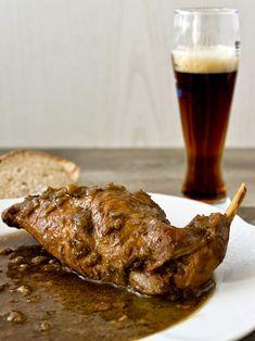 """Králičí maso je velmi zdravé a vhodné i pro ty nejmenší děti do prvních příkrmů. My si ho dneska zkusili připravit na """"dospělácký"""" způsob s ... Steak, Food And Drink, Cooking, Health, Kitchen, Health Care, Steaks, Brewing, Cuisine"""