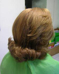Classic Hairstyles, Retro Hairstyles, Curled Hairstyles, Flip Hairstyle, Easy Hairstyle, Medium Hairstyles, 60s Hair, Bouffant Hair, Beautiful Haircuts