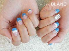 [광화문 네일] 광화문네일 블랑 시원한 바다를 닮은 블루&화이트 투톤프렌치 젤네일 : 네이버 블로그