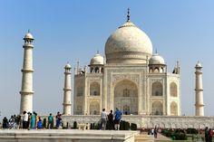 Viaggiobreve ed essenzialenel Triangolo d'Oro dell'India del Nord con estensione a Varanasi, immersi nella più autentica cultura indiana. Un itinerario studiatoper chi ha poco tempo a disposizione.