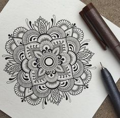 40 Beautiful Mandala Drawing Ideas & Inspiration - Brighter Craft 40 illustrated mandala drawing ideas and inspiration. Learn how you can draw mandalas step by step. This tutorial is perfect for all art enthusiasts. Mandala Doodle, Mandala Art Lesson, Mandala Artwork, Zen Doodle, Doodle Art, Henna Mandala, Lotus Mandala, Doodle Sketch, Mandala Pattern