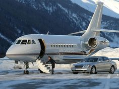 SUPERB JETS -          Flying private, especially convenient to go skiing for a few days...