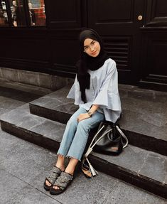 @salsabilapooth Stylish Hijab, Casual Hijab Outfit, Ootd Hijab, Muslim Fashion, Modest Fashion, Fashion Outfits, Look Fashion, Fashion Photo, Modele Hijab