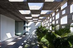 Galería de Casa Binh Thanh / Vo Trong Nghia Architects + Sanuki + NISHIZAWAARCHITECTS - 6