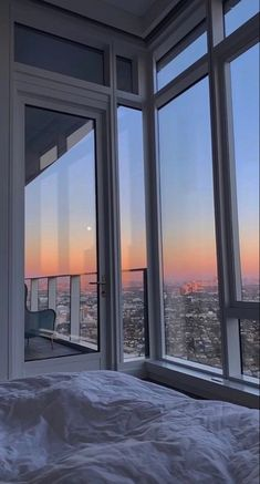 City Aesthetic, Aesthetic Bedroom, Travel Aesthetic, Apartment View, Dream Apartment, Aesthetic Backgrounds, Aesthetic Wallpapers, Images Esthétiques, City Vibe