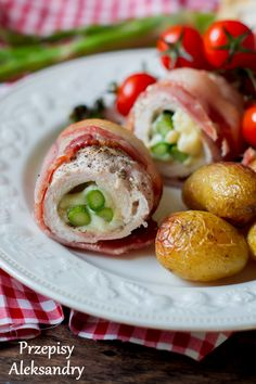 Przepisy Aleksandry: ROLADKI DROBIOWE ZE SZPARAGAMI I MOZZARELLĄ  #obiad… Polish Recipes, Polish Food, Easy Dinner Recipes, Poultry, Baked Potato, Sushi, Main Dishes, Mozzarella, Chicken