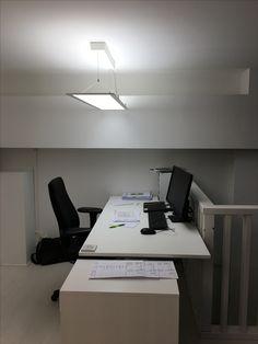 Arbetsplatsbelysning är viktigare än många tror.. reglerbart ljus krävs idag för ett bättre arbetsresultat, än viktigare är väl att man bli piggare, gladare, trevligare och inte minst effektivare med rätt ljus på rätt plats! Vi hjälper dig!