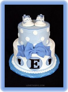 Baby shower sneaker cake. I totally ❤️ this cake