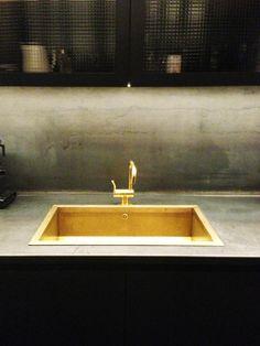 Jordens Arkitekter | Burnished steel and brass