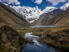 Gebirgsfluss in den Anden von Peru