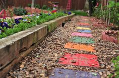 This article shows how to make garden stepping stones with simple molds, plus information on the various uses for garden stepping stones.