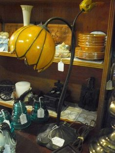 Vintage Brass Lilly Pad Tulip Lamp, at Scranberry Coop Antiques store, shop in Andover NJ