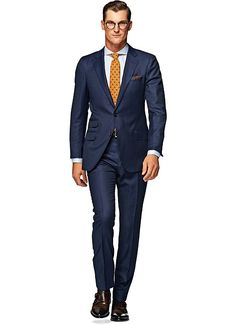 This dark blue Sienna suit is among the most luxurious of our fits. With details like real horn buttons, sous bras, and natural shoulder, this 2-button suit is cut in S130's wool by Vitale Barberis Canonico and comes with flat front trousers. #navy #wool #s130 #suit #suitsupply