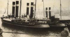 """""""Roode Zee"""" and """"Zwarte Zee"""", Dutch Tugs on the Tyne"""