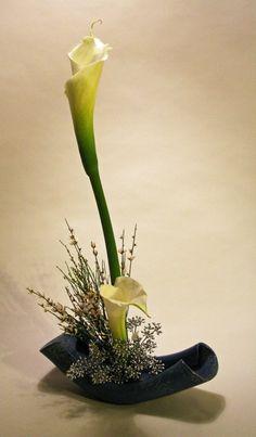 Ikebana copo de leite.