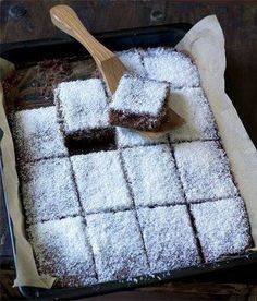 Šalamounské řezy :: irecepty.webnode.cz Healthy Diet Recipes, Healthy Snacks, Home Recipes, Cooking Recipes, Slab Cake, Czech Recipes, Sweet Cakes, Sweet And Salty, International Recipes