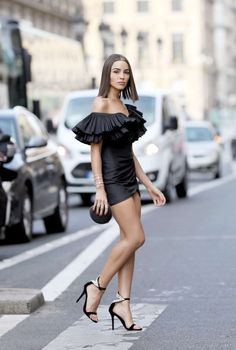 Olivia Culpo Mini Dress out and about in Paris Sexy Outfits, Classy Outfits, Pretty Outfits, Sexy Dresses, Fashion Outfits, Olivia Culpo, Beautiful Young Lady, Beautiful Legs, Talons Sexy