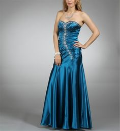 Oh my gosh! I found my last years prom dress on Pinterest! I loved that dress <3