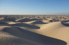 tunisie, la découverte du désert me reste comme une des plus profondes émotions de voyage..il me tarde d'y remettre mes pas