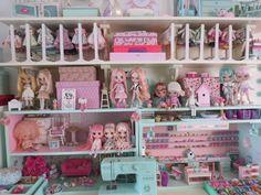 Blythe Shelf by Cuteopia.