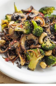 Looking for some fun vegan stir fry recipes? You're in luck! This broccoli and shiitake mushroom stir-fry recipe is quick, easy, and healthy. More from my siteBroccoli and Mushroom Stir-Fry – Vegan RecipesBroccoli Cashew Stir-Fry (Oil-Free) Best Vegetable Recipes, Whole Food Recipes, Diet Recipes, Cooking Recipes, Healthy Recipes, Recipes Dinner, Easy Recipes, Meatless Recipes, Chicken Recipes