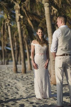 Vili es Márti - Tengerparti Esküvő | Florida, USA Tengerparti Esküvő Miamiban www.tengerpartieskuvo.com Skype: drottoharing 30 436 8257 #tengerpartiesküvő #thaiföldesküvő#tengerpartiesküvő #phuketwedding #Phuketesküvő #thaiföld #phuket #esküvőszervezés #eskuvofotozas #eskuvotengerparton #esküvő #esküvő #házasság #tengerpartiesküvő Lace Wedding, Wedding Dresses, Miami Beach, Florida, Usa, Fashion, Moda, Bridal Dresses, Alon Livne Wedding Dresses