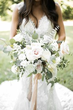 This White-Washed Organic Chic Wedding is What Dreams are Made of haare hochzeit wreath wedding flowers flowers summer flowers white wedding Blush Bouquet, Rose Wedding Bouquet, White Wedding Bouquets, Wedding Flower Arrangements, Bride Bouquets, Bridesmaid Bouquet, Wedding Centerpieces, Bridesmaids, White Rose Bouquet