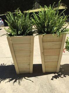 """I gotta admit that when we saw how awesome these tall planters turned out that I got weirdly possessive and didn't want to share the plans. I think it has to do with the fact that other people online are always claiming """"HEY THAT's MINE! Tall Outdoor Planters, Outdoor Gardens, Diy Wood Planters, Planters For Front Porch, Wooden Planter Boxes Diy, Large Wooden Planters, Planters Flowers, Wooden Flower Boxes, Front Porch Flowers"""
