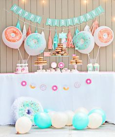 Why not throw a donut party for your kids next birthday? Check out some of our favourite ideas on how to create the look, with help from kids party expert Tanya Castellino from Life's Little Celebrations. Donut Party, Donut Birthday Parties, Summer Birthday, Baby Birthday, Birthday Month, Party Kit, Baby Party, Diy Party Dekoration, Party Mottos
