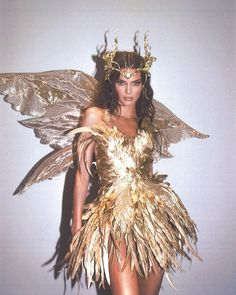 Kendall Jenner - Forest Fairy Costume for Halloween. Latest Kendall Jenner photo news and gossip. Celebrity photo news and gossip on celebxx. Forest Fairy Costume, Fairy Halloween Costumes, Halloween Inspo, Halloween 2019, Halloween Makeup, Photo Halloween, Pretty Woman Halloween, Halloween Costumes Brunette, Goddess Halloween Costume