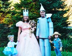 Wizard of Oz family costumes family party kids halloween costumes adult costumes family costumes