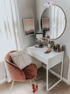 THE DRESSING TABLE IS EXTREMELY IMPORTANT FOR GIRLS WHO LOVE BEAUTY – Page 40 of 71 THE DRESSING TABLE IS EXTREMELY IMPORTANT FOR GIRLS WHO LOVE BEAUTY – Page 40 of 71<br> Dressing Table; Makeup; Home Decoration; Small Room; Mirror; Stool;Bedroom; Cloakroom; Bathroom; D... Urban Outfiters Bedroom, Dressing Table With Chair, Dressing Tables, Small Dressing Table, Dressing Table In Bedroom, Dressing Table Ideas Ikea, Dressing Table Organisation, Dressing Table Storage, Dressing Mirror