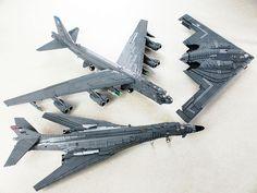 LEGO Strategic Bomber Triad | by Mad physicist Lego Aircraft Carrier, Legos, Avion Lego, Lego Plane, Big Lego, Lego Ship, Amazing Lego Creations, Lego Craft, Lego War