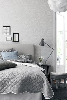 neutral bedroom | grey and white