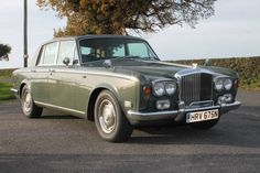 1975 Bentley T Series T1 saloon. Green. Service history. Click on pic shown for loads more.