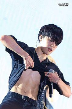 Jimin Hot, Bts Jungkook, Park Ji Min, Black Queen, Busan, K Pop, Jimins Abs, Jimin Black Hair, Park Jimin Cute