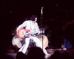 1975 12 02 Opening show in Las Vegas
