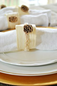 Decorating with corn husks. Make this simple corn husk napkin ring for your Thanksgiving table.