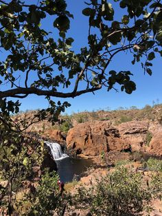 If you love swimming in crystal-clear fresh water, surrounded by red rocky escarpments then Leliyn (Edith Falls), NT is a must-visit destination. Outback Australia, Australia Travel, Travel Backpack Carry On, Places To Travel, Places To Visit, Camping, Packing Tips For Travel, Amalfi Coast, Beach Trip