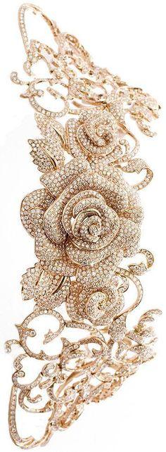 Rosamaria G Frangini | HighJewellery Modern | TJS | Gold and Diamond Flower Necklace