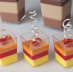 Dessert Cups, 1.5 x 2 1/8 high capacity 50 ml. (1.7 oz), sold as pack of 100