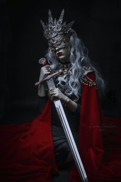 Her head jerked in their direction slightly, jingling the beads hanging. Dark Fantasy Art, Dark Art, Character Inspiration, Character Art, Arte Dark Souls, Queen Aesthetic, Dark Queen, Fantasy Photography, Beautiful Mask